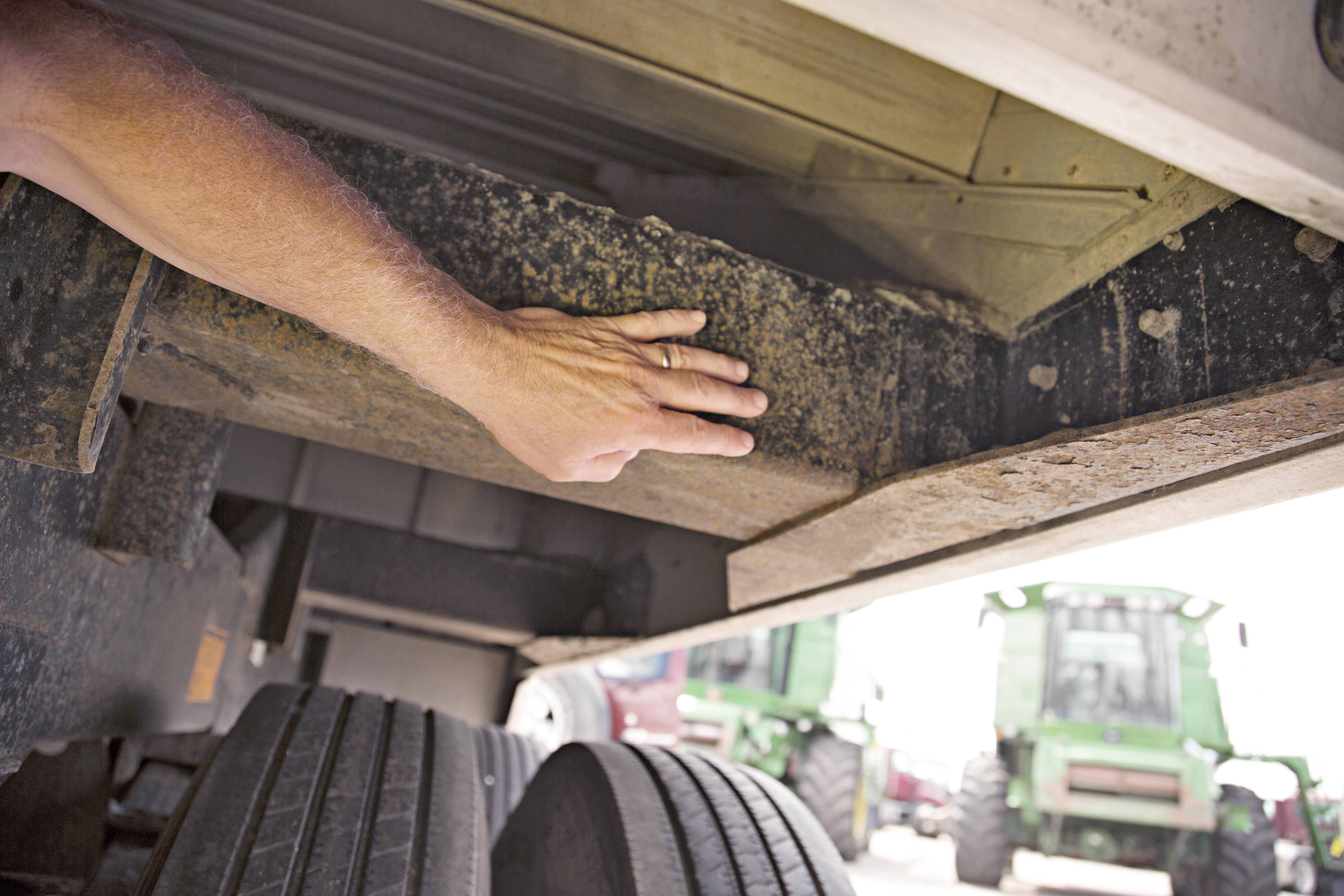 Inspection Pointers For Hopper Bottom Grain Trailers Successful Farming