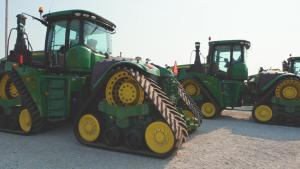 Low-hour John Deere 9620 RX tractors sell at auction